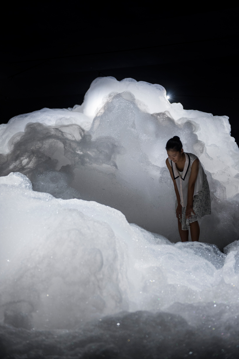 foam-by-kohei-nawa-at-the-aichi-triennial-designboom-03