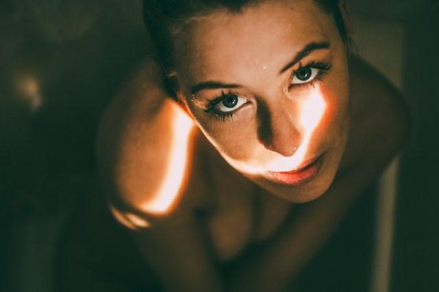 Miranda_shower_06