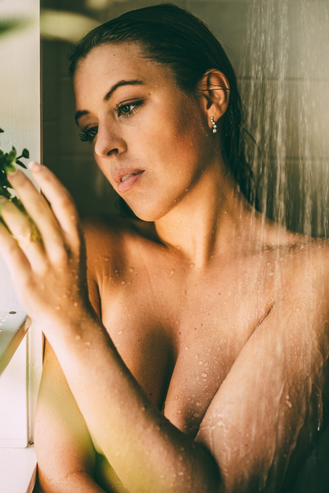 Miranda_shower_16
