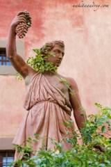 Villa Vignamaggio garden statue