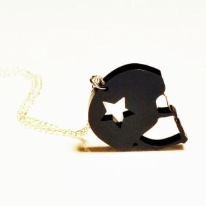 jammer-helmet-necklace