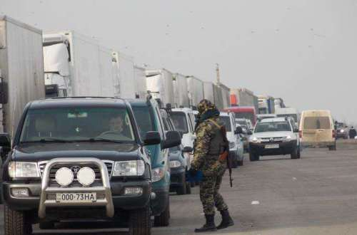 черги автомобілів в Криму