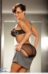 Que traserote tiene nuestra sexy secretaria Lisa Ann