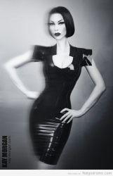 Kay Morgan foto vintage sexy en latex negro