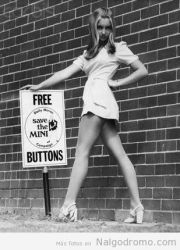 Foto vintage: salvemos a la minifalda