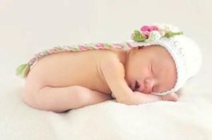 Nama Bayi Perempuan Islam 8 Huruf
