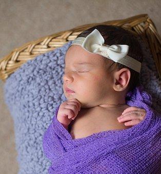24 Pilihan Nama Untuk Bayi Yang Lahir di Bulan November