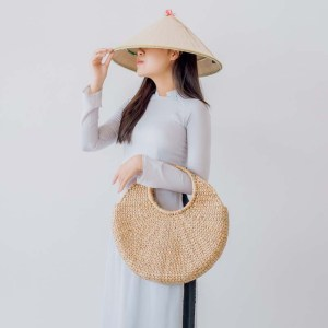 NA-handcrafted-woven-water-hyacinth-bag-with-round-handle