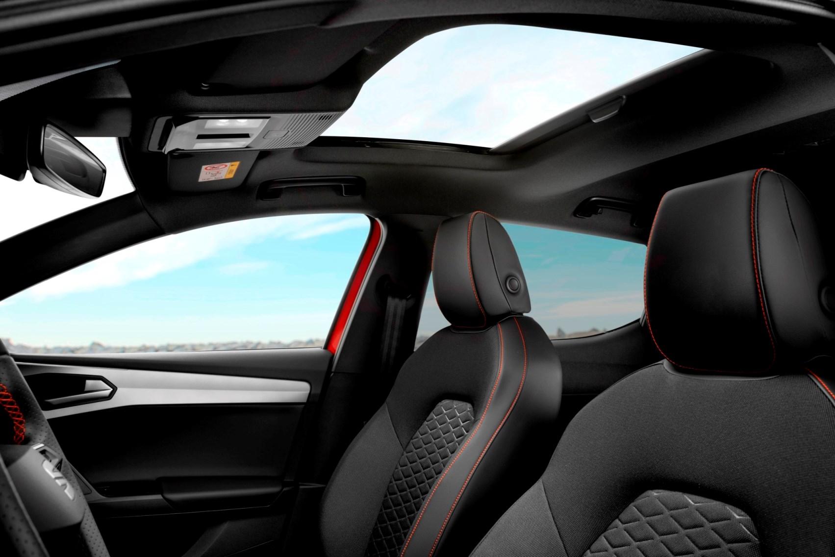 2021 SEAT Leon - NamasteCar