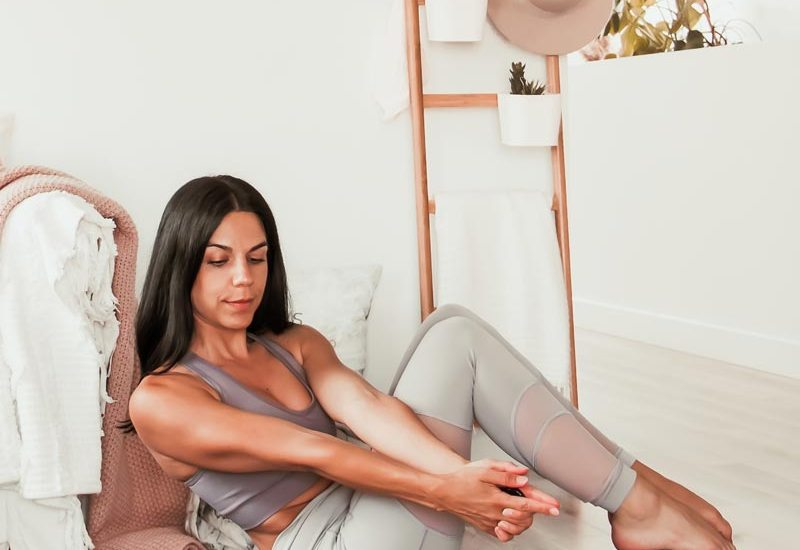 Routine de yoga abdos & torsions | Namasté & Coco Latté