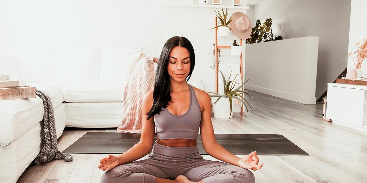 Routine de yoga douce pour soulager le bas du dos