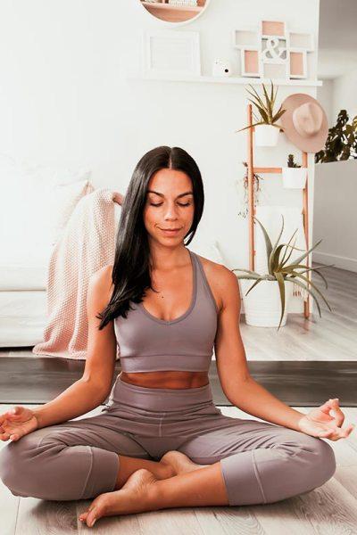 Routine de yoga douce pour soulager le bas du dos | Namasté & Coco Latté
