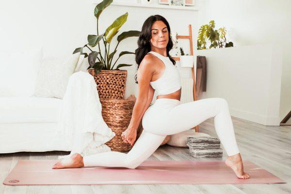 Routine de yoga pour la mobilité des hanches | Namasté & Coco Latté