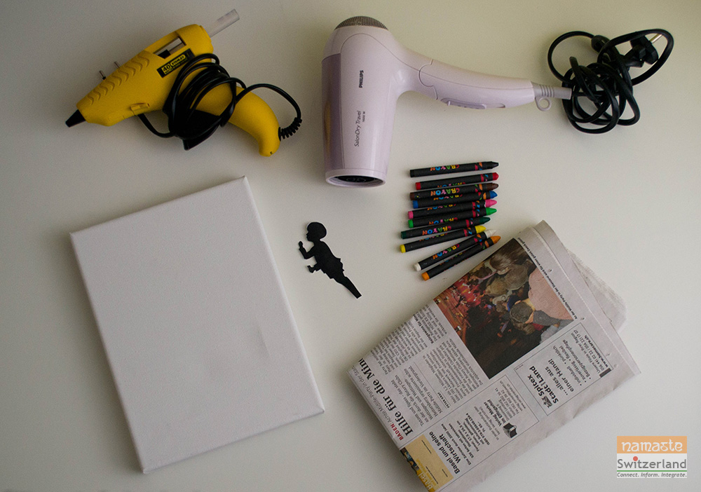 Materials to make the melted crayon art