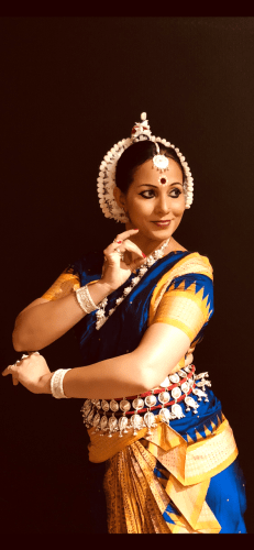 Photo of Tripti Abhijatha performing an Odissi dance in Zurich