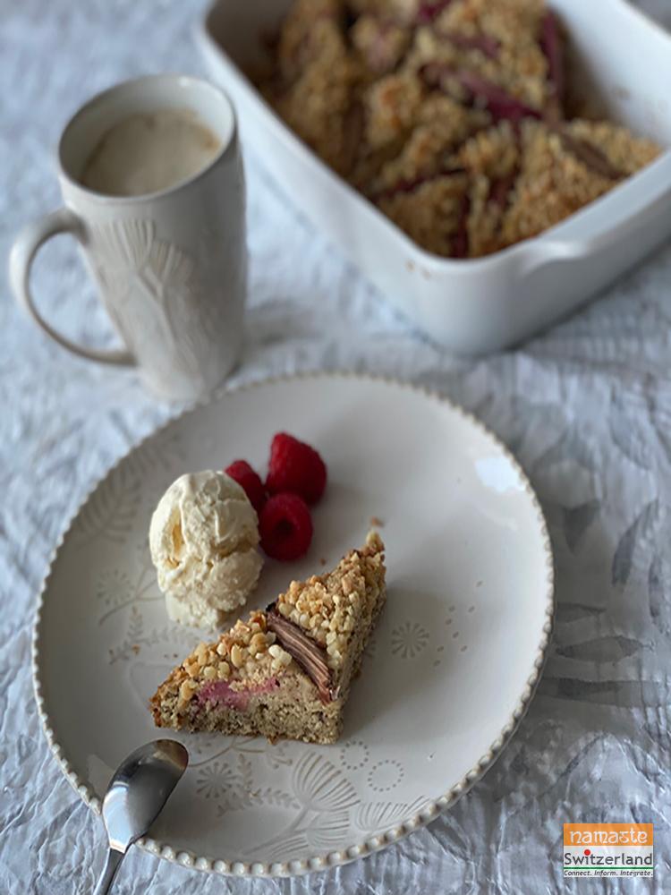 Red Rhubarb cake