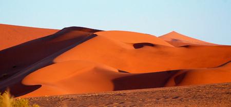 Namibijská poušť dokáže tak krásně čarovat ...