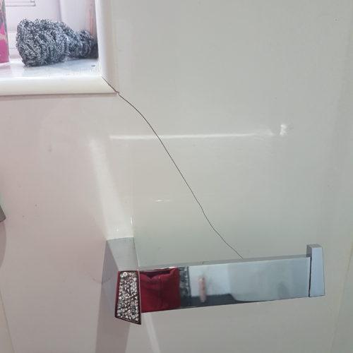 CRACKED GLOSS WALL TILE REPAIR BEFORE