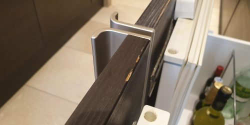 DAMAGED KITCHEN CUPBOARD DRAW FRONT CHIP SCRATCH DENT REPAIR BEFORE