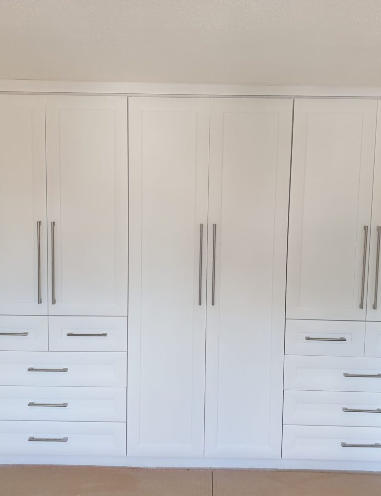 BEDROOM WARDROBE SPRAY PAINTING COLOUR CHANGE MANCHESTER AFTER