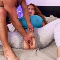 BBW Redhead Yola Filmes squirts for a Reality Kings porn video