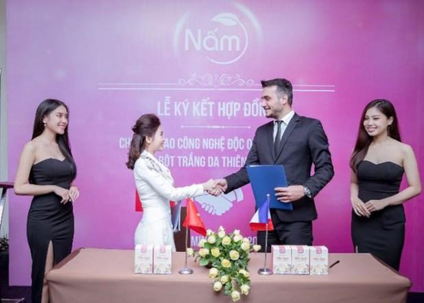 Hoài Thương Organic hợp tác với đối tác nước ngoài.