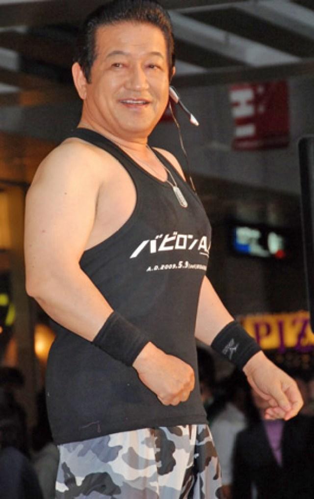 鈴木桂一郎のボディービル姿が66歳に見えない件