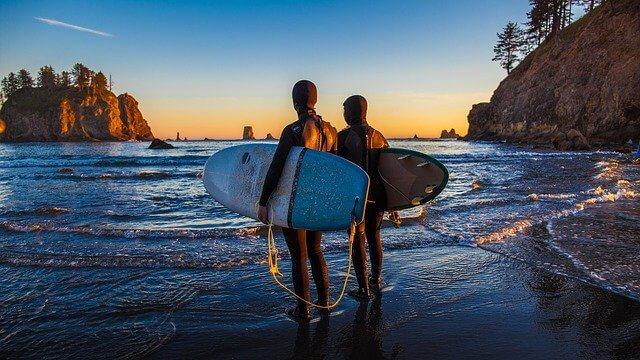 サーフィン用のネックウォーマーは効果あり?おすすめ商品も