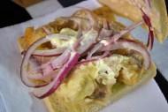 La Mar Cebichería Peruana: Sánguche de pescado (pan seco, pescado sin gusto) / Fish sandwich (dry bread, bland fish)