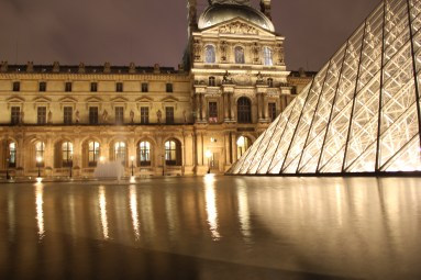 Pyramid Louve