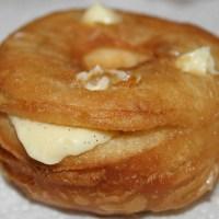 Le Cronut ( moitié croissant, moitié donut )
