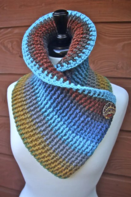f1dfc74ee24ee4 Sassy Autumn Ribbed Crochet Cowl free pattern with tutorials