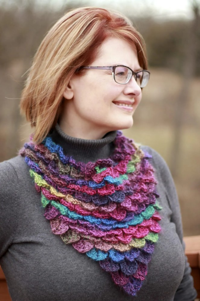 Stained Glass Dragon Scales Bandana Cowl Video Tutorial