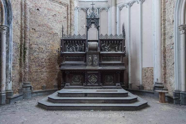 Blue Christ Church, altaar, urbexlocatie