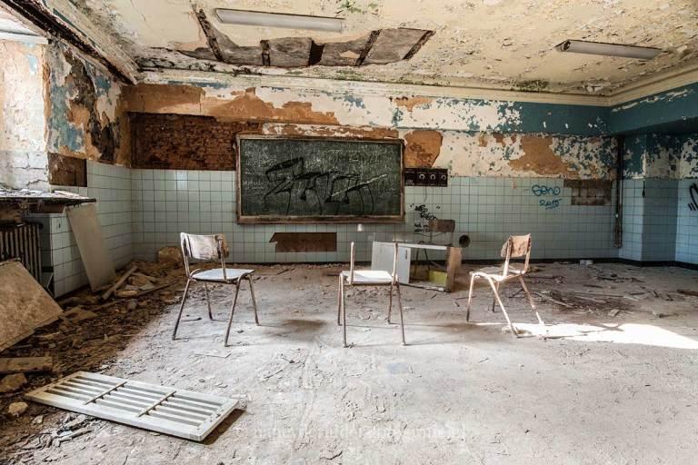 Chateau de Noisy, klaslokaal, weeshuis, Urbexlocatie