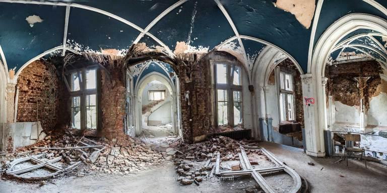 chateau de noisy, verlaten kasteel, urbexlocatie, weeshuis, bogen, spookkasteel
