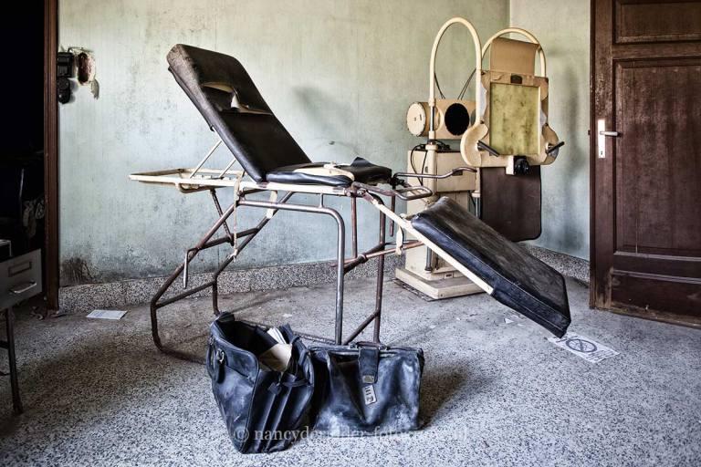 maison-dr.pepito-praktijkstoel, urbexlocatie
