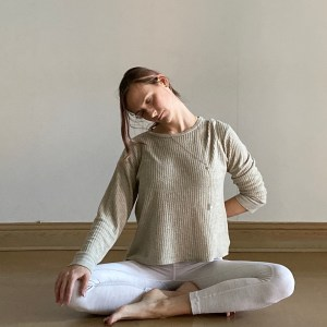 Yin Yoga Sequence: Seated Neck Stretch