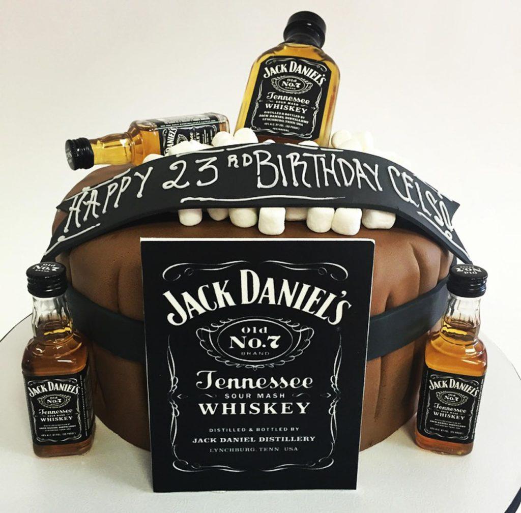 Men S Birthday Cakes Nancy S Cake Designs