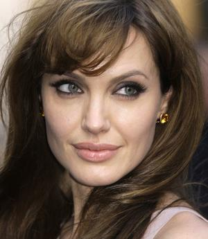 Angelina Jolie's Prophylactic Bilateral Mastectomy, If She & I Could Chat