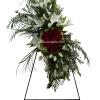 Arreglo floral en trípode