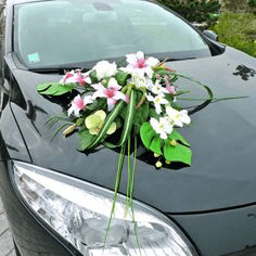 decoracion de carros para novios con lirios