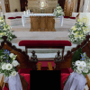 Decoración floral para reclinatorio de iglesia