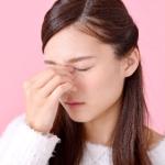 まぶたがピクピク痙攣する原因は疲れ?病気の可能性は?