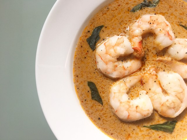 poached shrimp in coconut cream curry