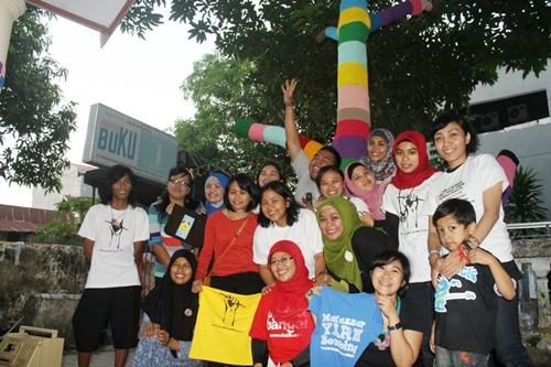 quiqui yarn bombing makassar