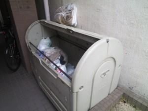 ロイヤルレスト芦原:ゴミ捨て場