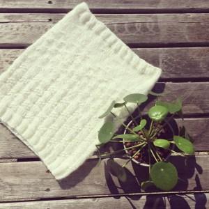 Atelier tricot j'apprend à tricoter avec des aiguilles circulaires @ Hollywool | La Roche-sur-Yon | Pays de la Loire | France