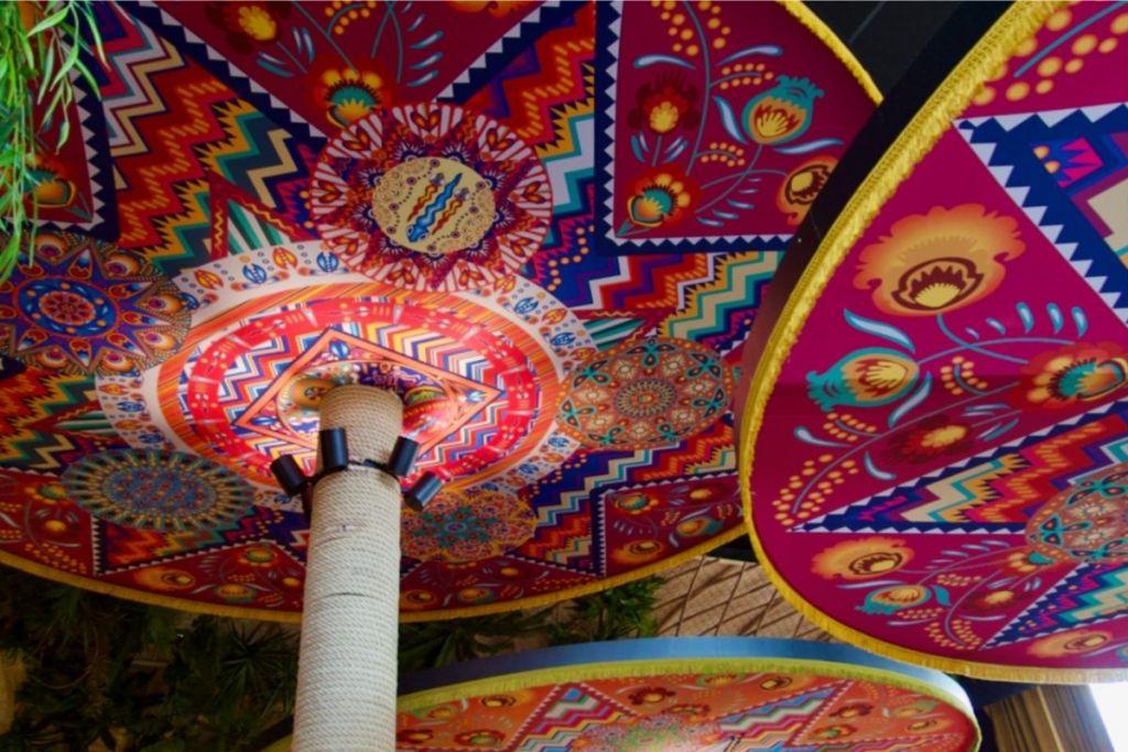 décoration du restaurant bahia tikka