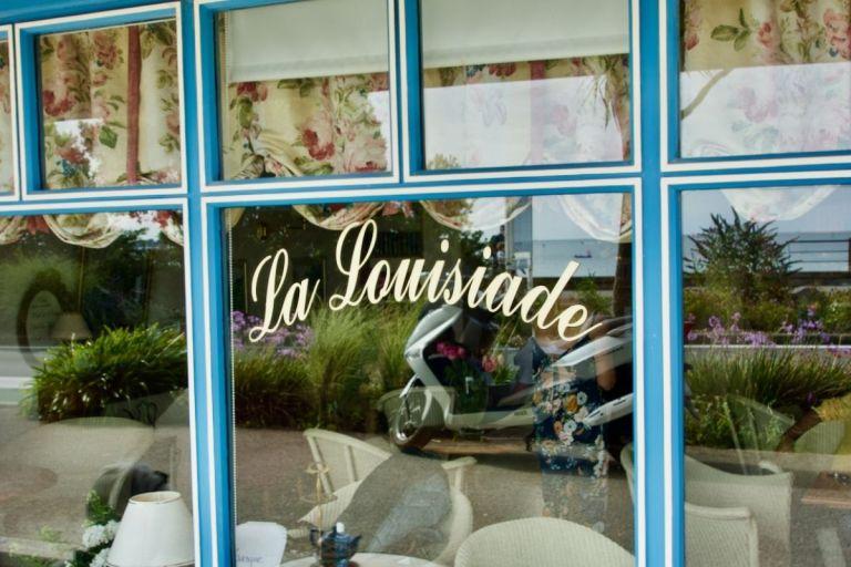 devanture du salon de thé la louisiade